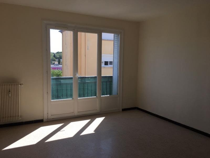 Sale apartment Salon de provence 107000€ - Picture 1