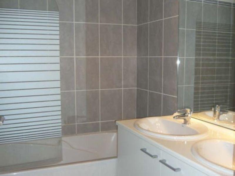Rental apartment Aix en provence 1229€ CC - Picture 3