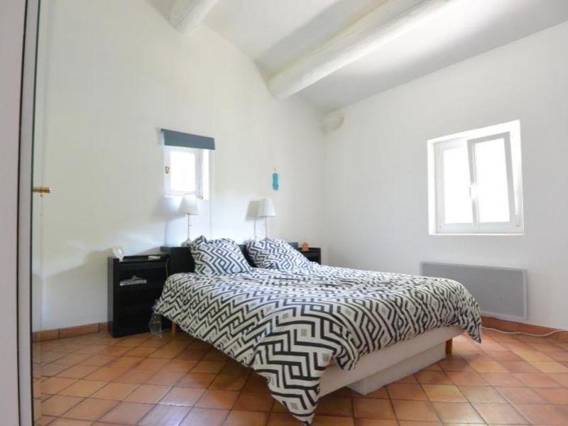 Sale house / villa Meyrargues 699000€ - Picture 4