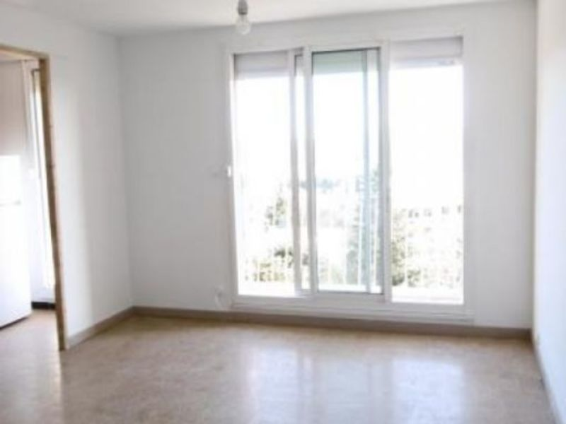 Rental apartment Aix en provence 900€ CC - Picture 1