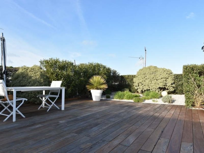 Sale apartment Royan 414750€ - Picture 1