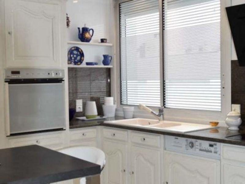 Sale apartment Royan 414750€ - Picture 2