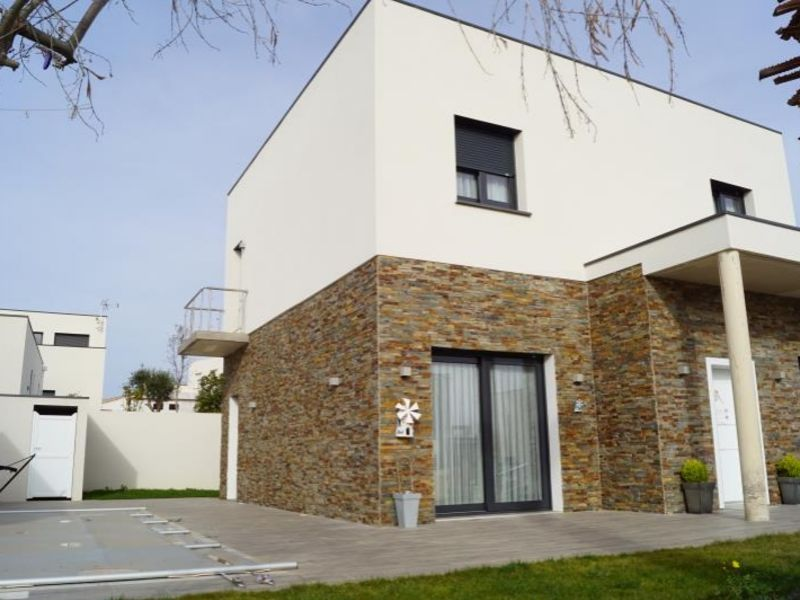 Sale house / villa Serignan 415 000€ - Picture 1