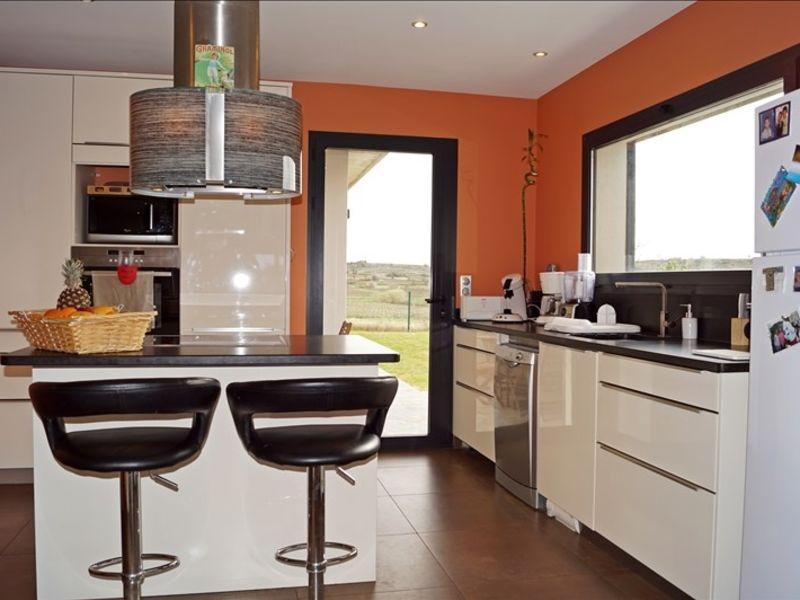 Sale house / villa Thezan les beziers 660000€ - Picture 4