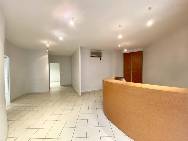 Location local commercial Beziers 600€ HC - Photo 1
