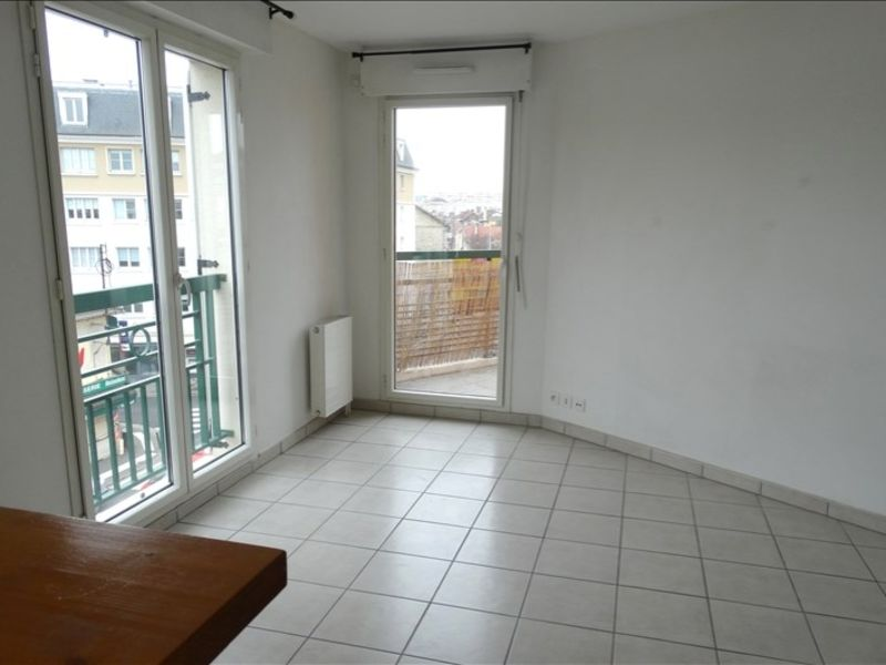 Rental apartment Poissy 970€ CC - Picture 2