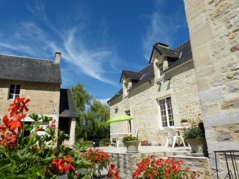 Sale house / villa Bayeux 498000€ - Picture 1