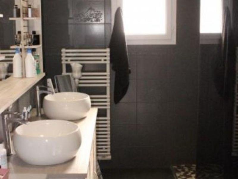 Sale house / villa Montceaux les provins 183000€ - Picture 7