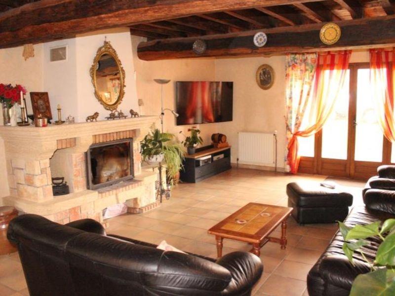 Sale house / villa Doue 240000€ - Picture 2