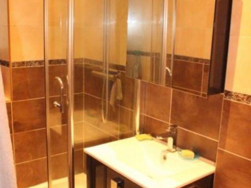 Sale house / villa Doue 240000€ - Picture 5