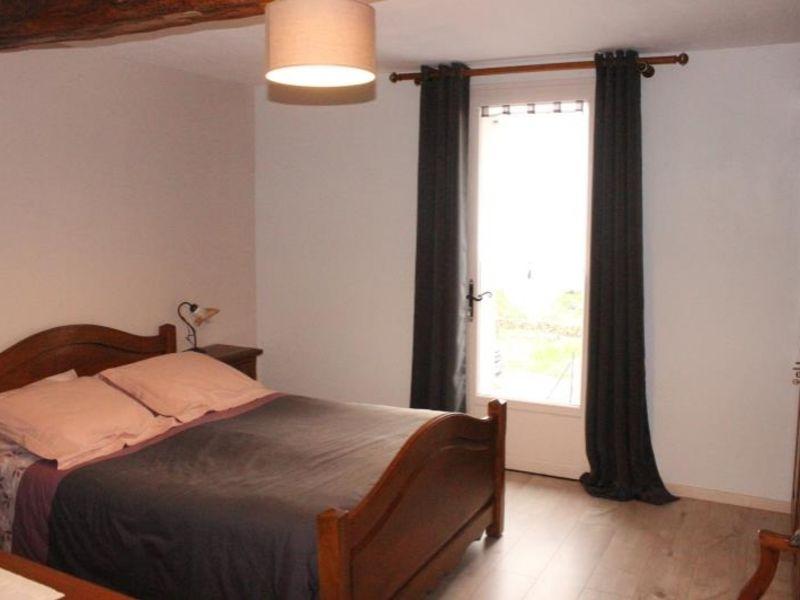 Sale house / villa Doue 240000€ - Picture 6