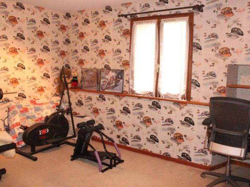 Sale house / villa Doue 240000€ - Picture 10