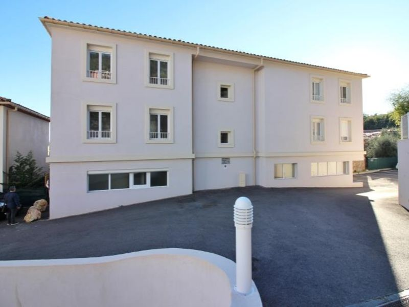 Location appartement Speracedes 750€ CC - Photo 3