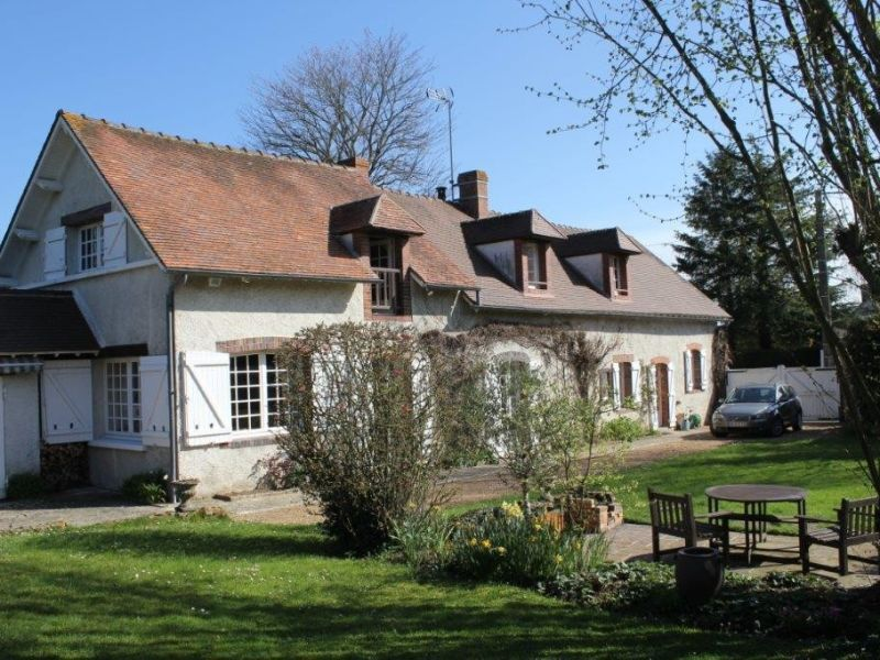 Sale house / villa Maintenon 339 000€ - Picture 1
