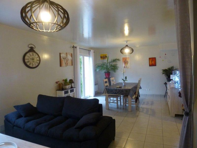 Sale house / villa Nogent le roi 195000€ - Picture 2