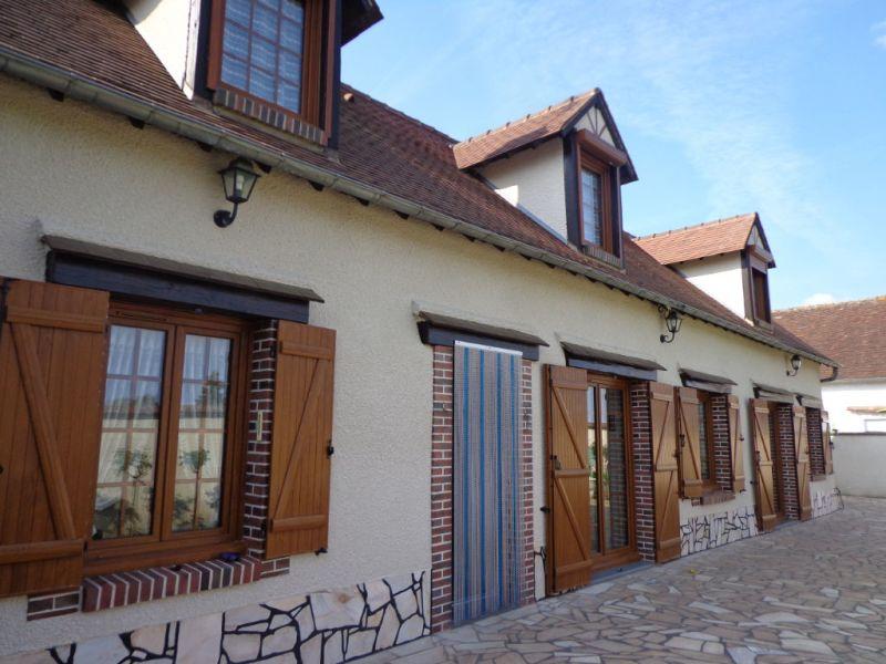 Sale house / villa Nogent le roi 233200€ - Picture 10