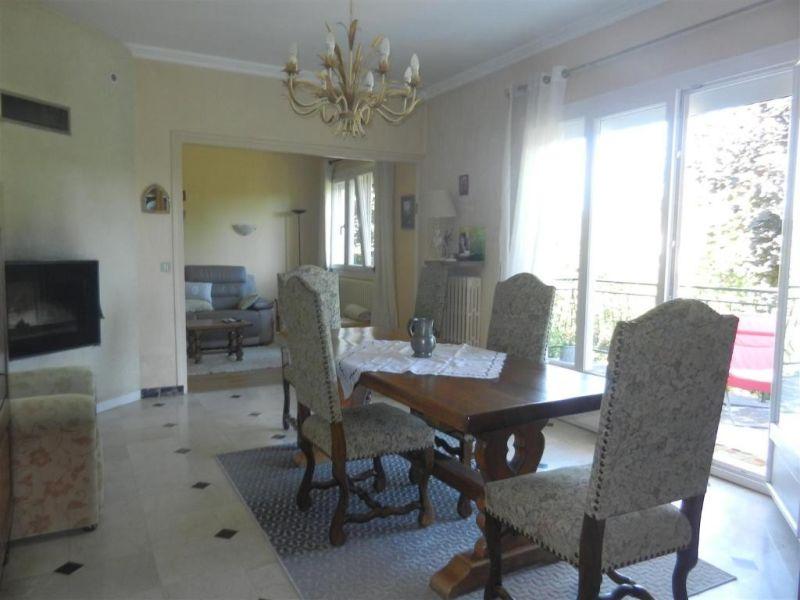 Sale house / villa Epernon 389000€ - Picture 2