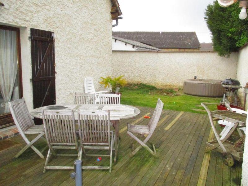 Sale house / villa Nogent le roi 229000€ - Picture 1