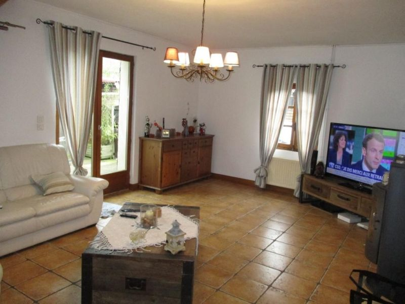 Sale house / villa Nogent le roi 229000€ - Picture 4
