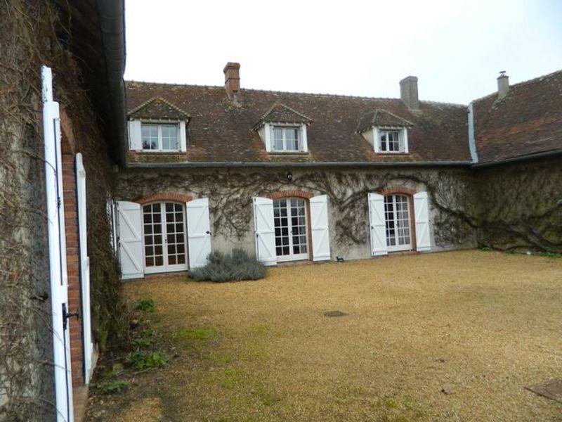 Sale house / villa Maintenon 315000€ - Picture 1