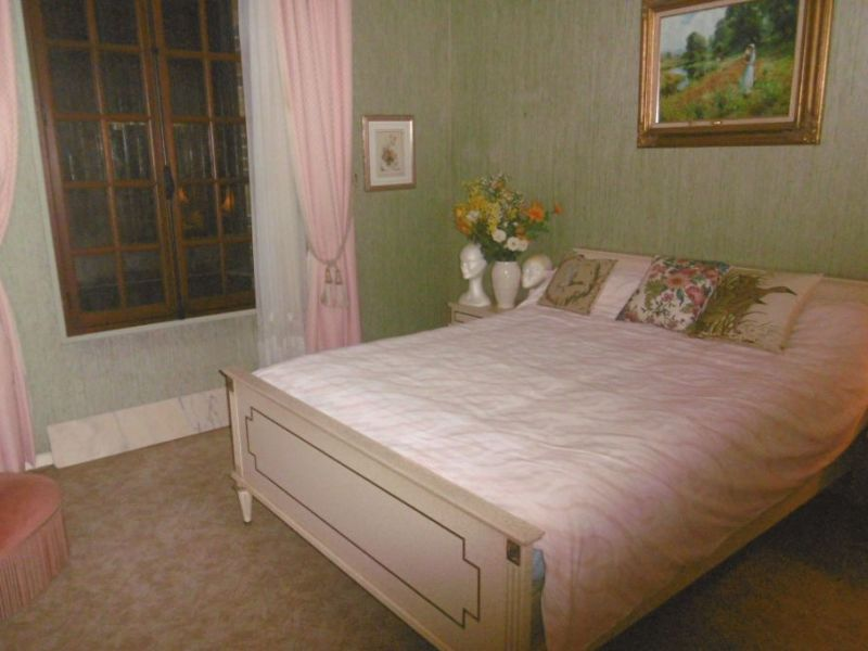 Sale house / villa Nogent le roi 242750€ - Picture 10