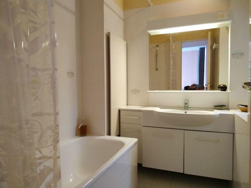 Sale house / villa Courville sur eure 383250€ - Picture 4