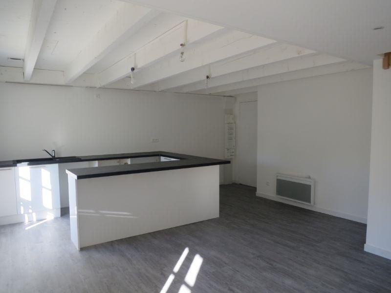 Sale apartment Nogent le roi 114750€ - Picture 1