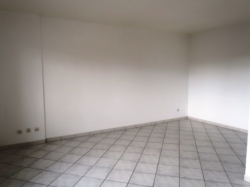 Sale apartment Nogent le roi 65400€ - Picture 4