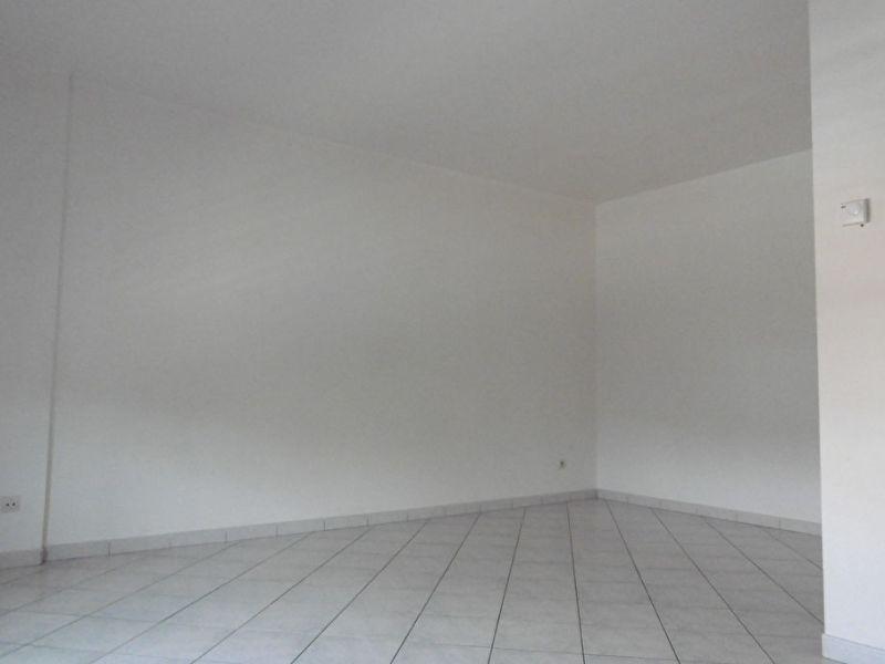 Sale apartment Nogent le roi 65400€ - Picture 5