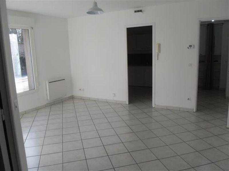 Sale apartment Epernon 129600€ - Picture 2