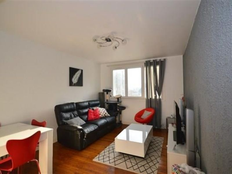 Sale apartment Sassenage 109 000€ - Picture 1