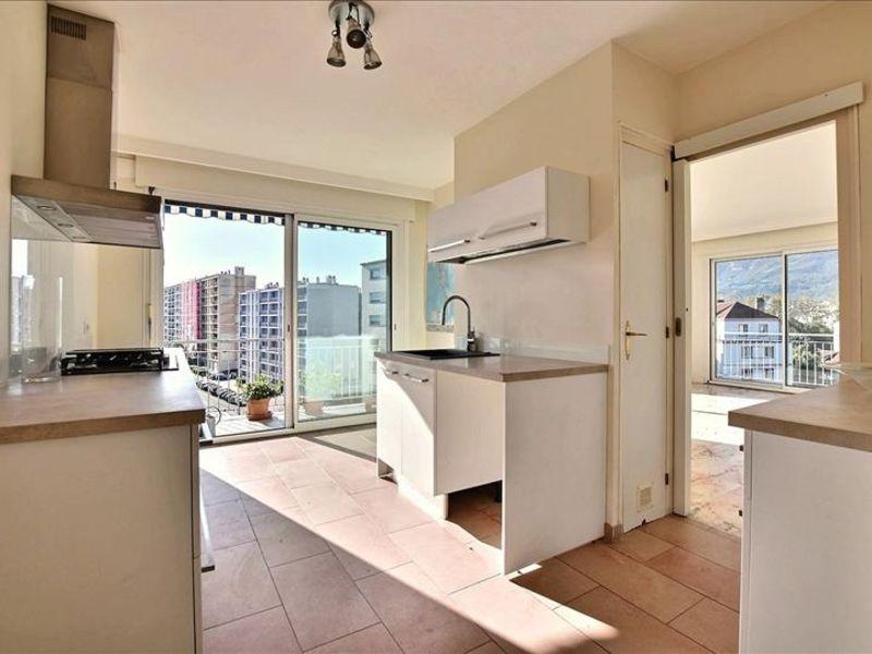 Sale apartment Grenoble 349000€ - Picture 2