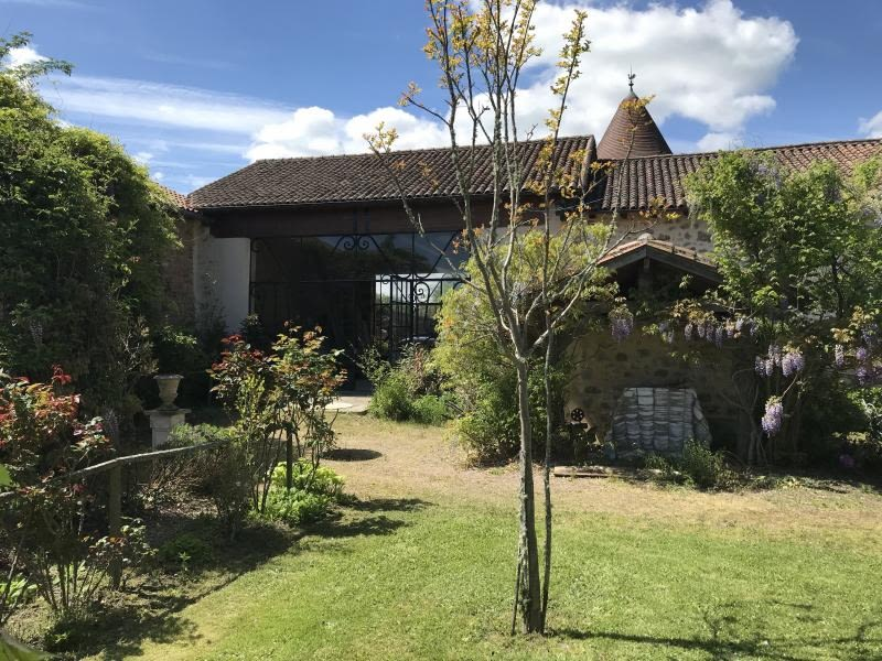 Vente de prestige maison / villa Nontron 624000€ - Photo 1