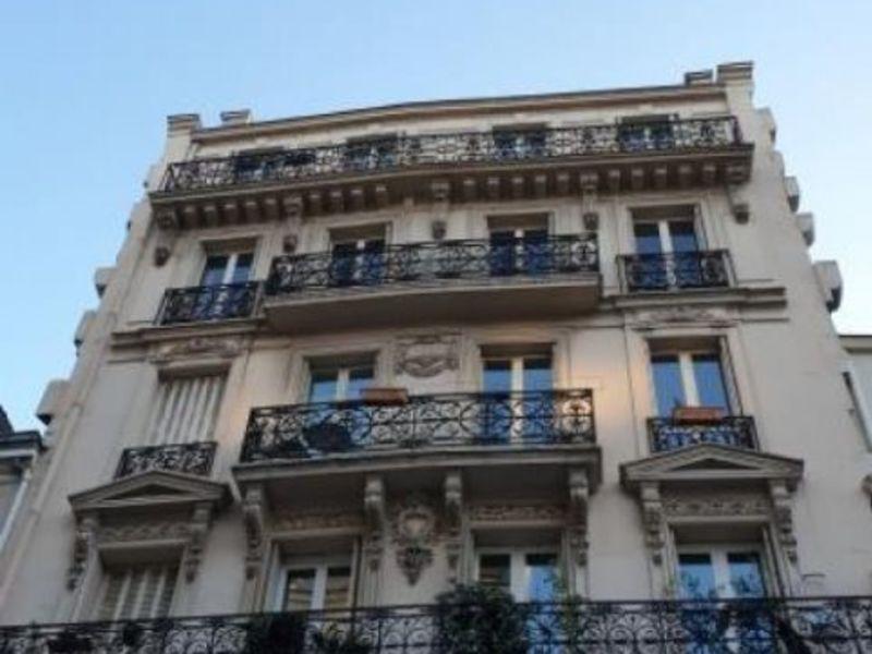 Sale apartment Paris 10 1730000€ - Picture 1