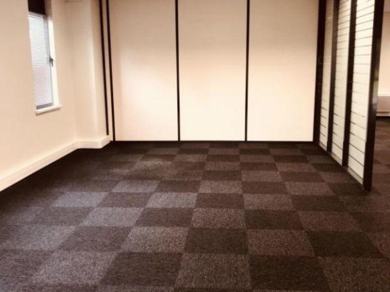 Rental empty room/storage Schiltigheim 2500€ HC - Picture 5
