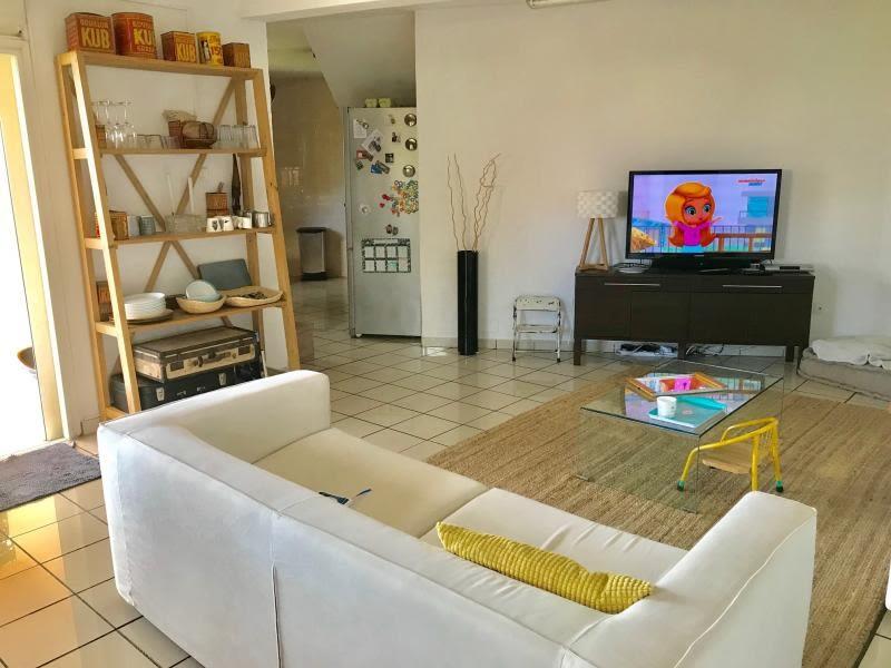 Sale house / villa Les avirons 385000€ - Picture 2