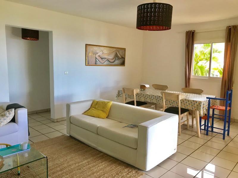 Sale house / villa Les avirons 385000€ - Picture 3