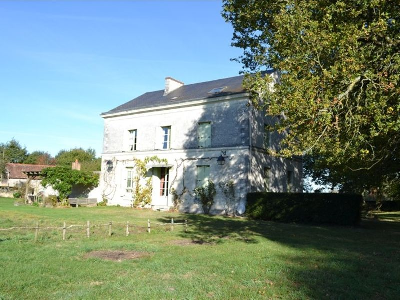 Vente maison / villa Loches 651 900€ - Photo 2