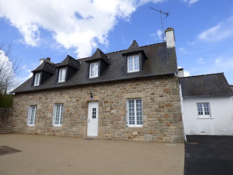Sale house / villa Plounevez moedec 128500€ - Picture 1