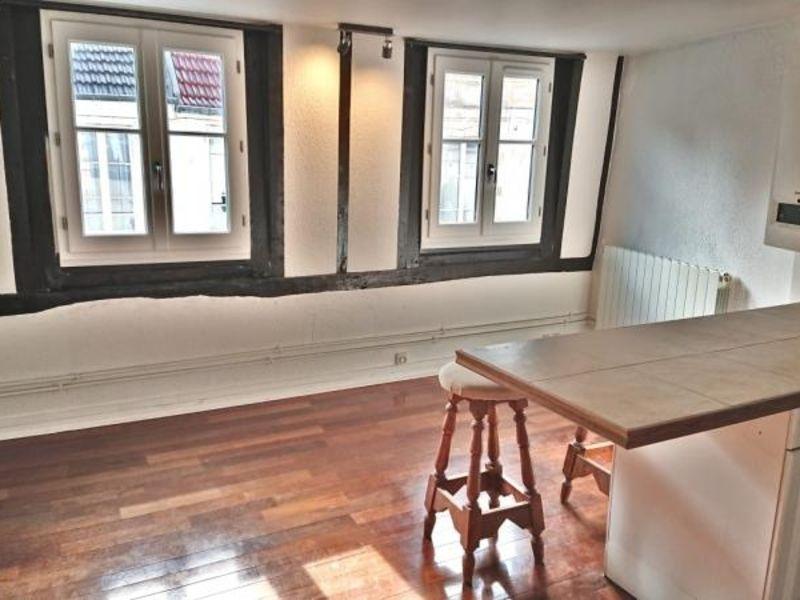 Location appartement Saint germain en laye 970€ CC - Photo 1