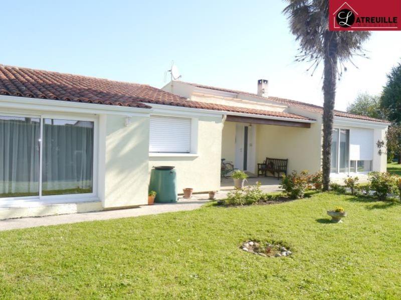 Sale house / villa Gemozac 365050€ - Picture 1