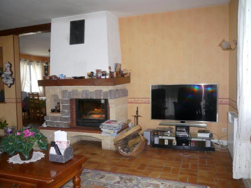 Sale house / villa Gemozac 365050€ - Picture 3