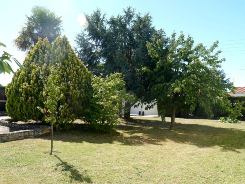 Sale house / villa Gemozac 365050€ - Picture 5