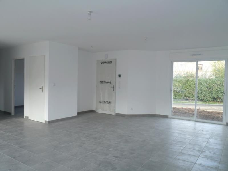 Location maison / villa Gemozac 716€ CC - Photo 2