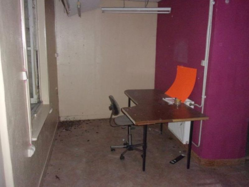 Location local commercial Armentieres 750€ HC - Photo 2