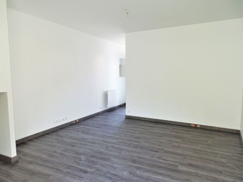 Location appartement Chateauneuf en thymerais 420€ CC - Photo 2
