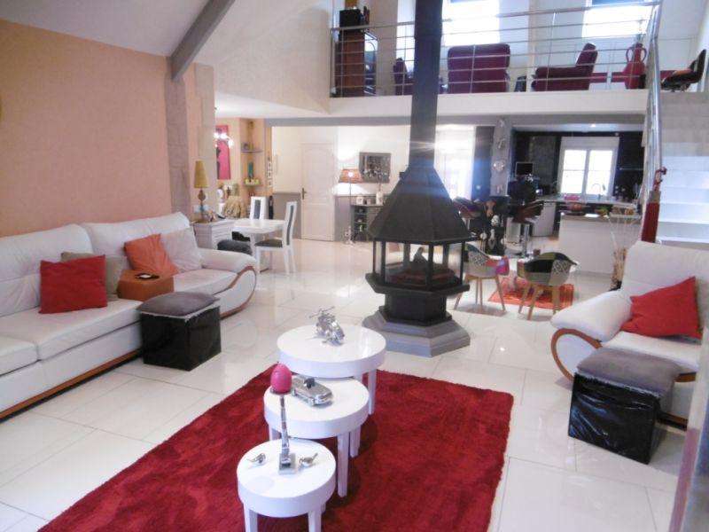 Sale house / villa Yvre l eveque 587600€ - Picture 1