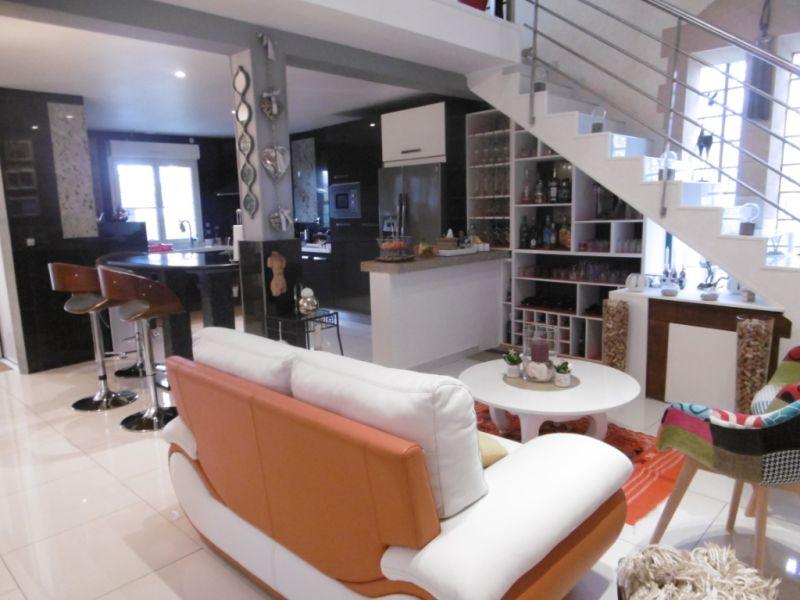 Sale house / villa Yvre l eveque 587600€ - Picture 5