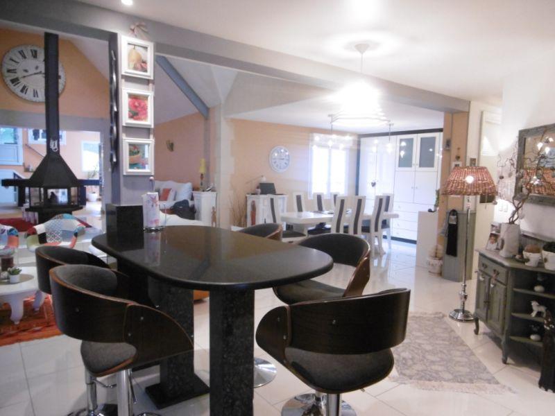 Sale house / villa Yvre l eveque 587600€ - Picture 10