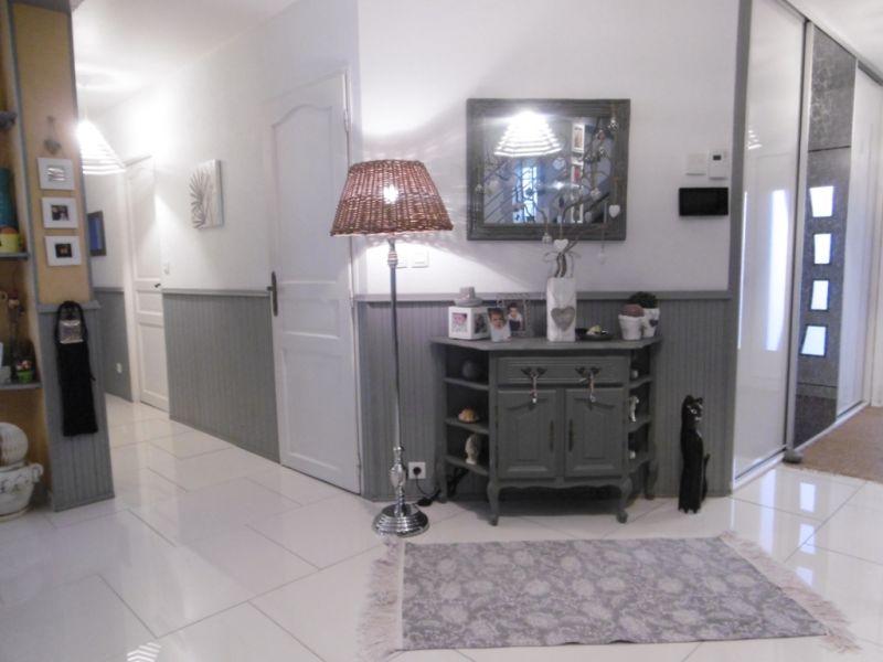 Sale house / villa Yvre l eveque 587600€ - Picture 11